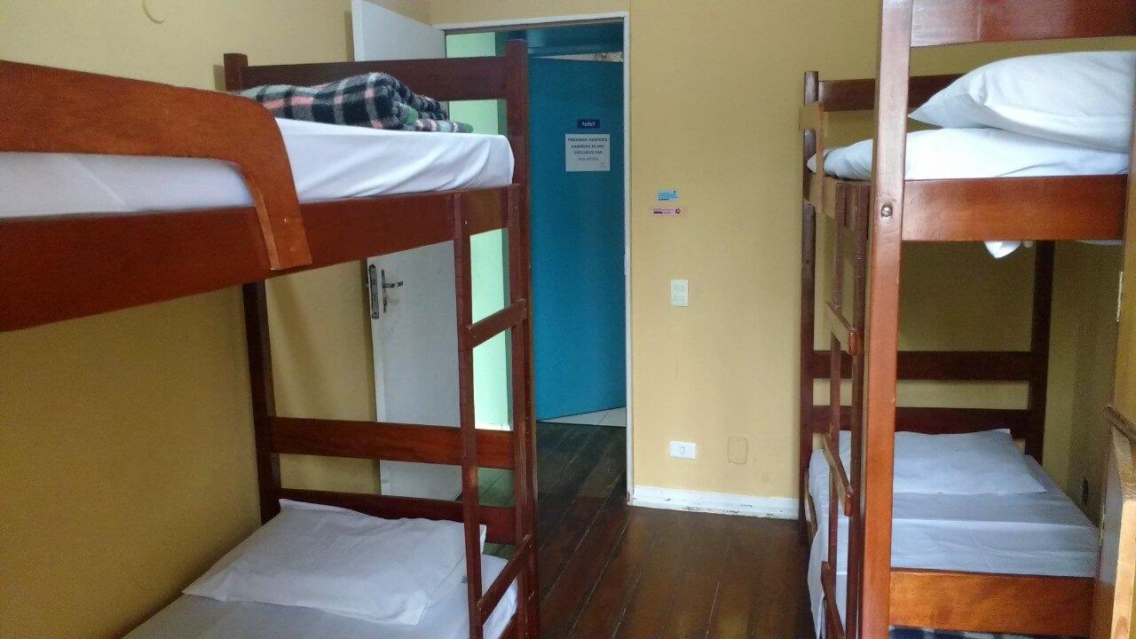 Quarto 4 camas